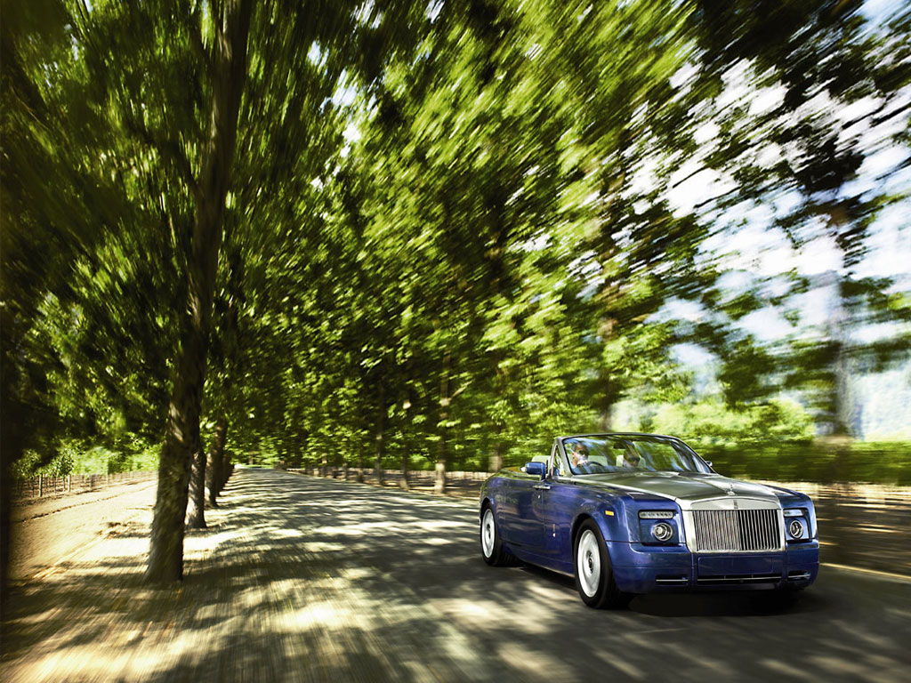 Обои на рабочий стол Rolls Royce Phantom Drophead Coupe 2008 front2 1024x768